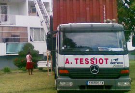 A. TESSIOT - Historique, photo de l'activité de déménagement en 1990.