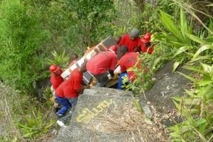 A. TESSIOT Mayotte : Transporter des éléments d'une installation GSM - Photo 5