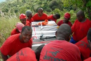 A. TESSIOT Mayotte : Transporter des éléments d'une installation GSM - Photo 4